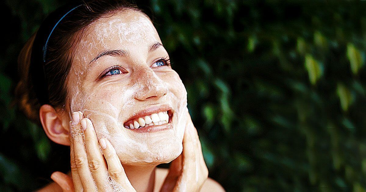 Benefits of Scrubbing your Skin